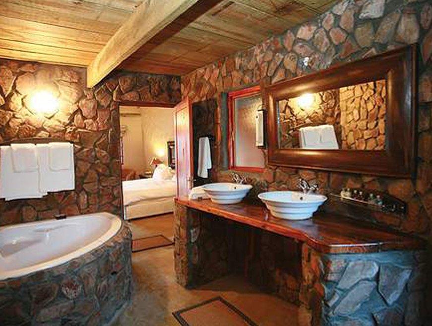 Ba o madera 06 decoraci n con madera - Lavabos de piedra rusticos ...