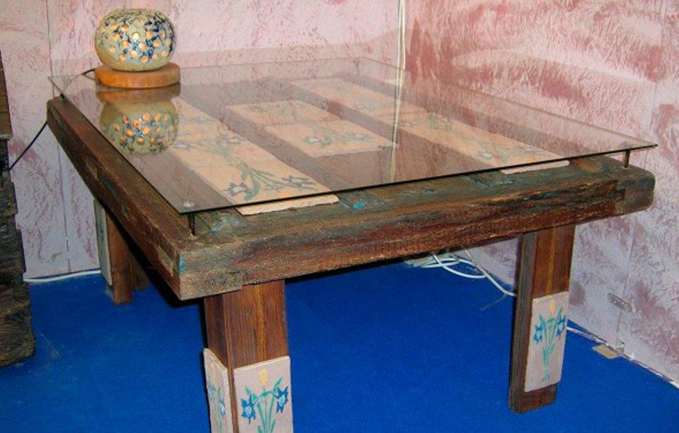 La puertas tambi n son mesas decoraci n con madera for Manualidades con madera vieja